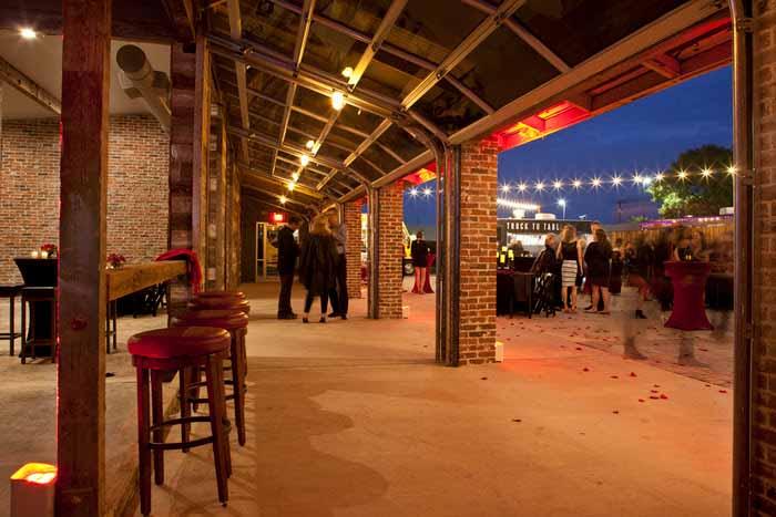 Commercial garage doors in Dallas MOPAC